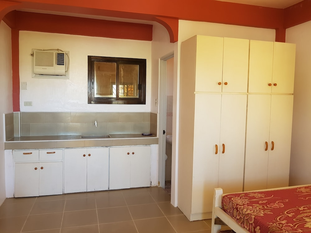 Private Kitchenette, Paz Patar Beach House Resort