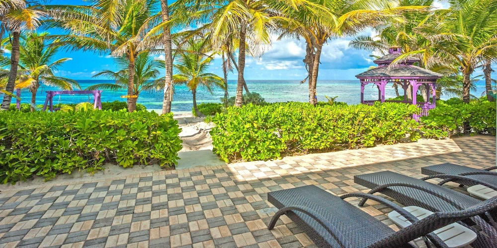 Grand Cayman Villas >> Coconut Beach By Grand Cayman Villas Condos In North Side