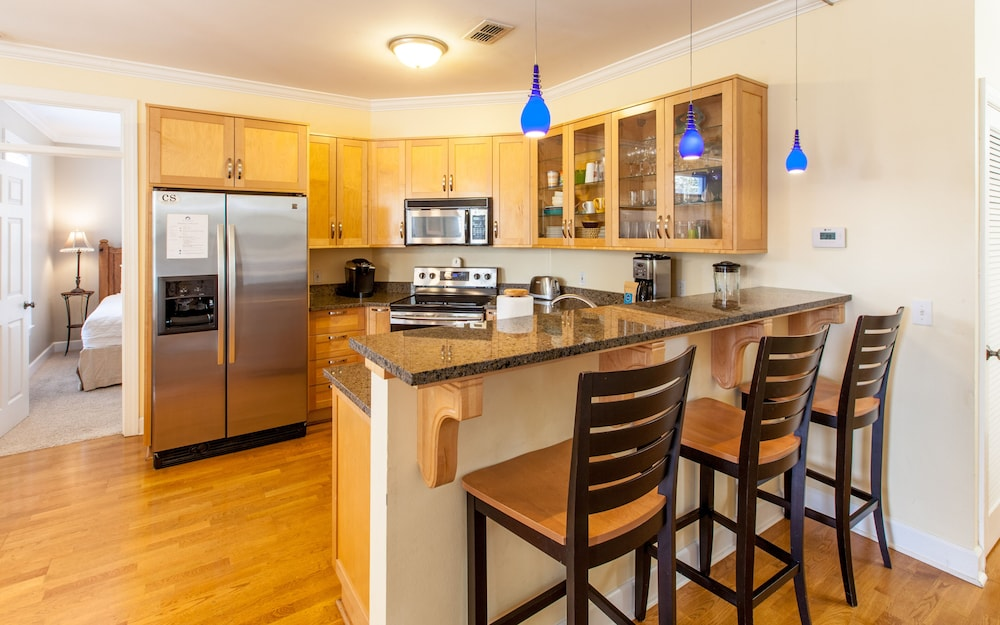 Private Kitchen, The Fab Crab- Seacrest Resort Home Large Community Pool, Seasonal Beach Tram!