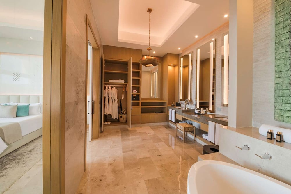 Bathroom, Haven Riviera Cancun Resort & SPA All Inclusive- Adults Only