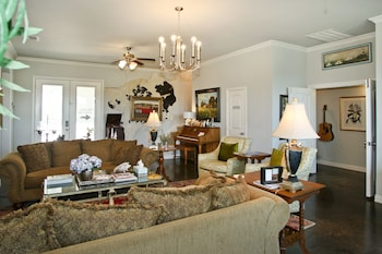 The Big Green House Bed Breakfast Gainesville 2019 Room Prices