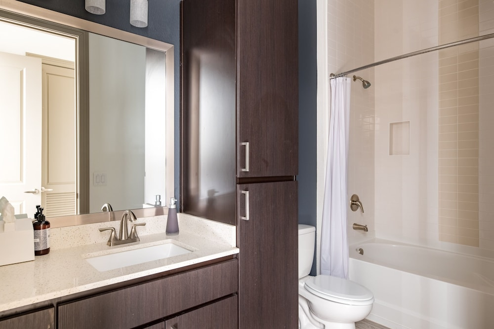 Bathroom, Luxe Tempe Apartments by WanderJaunt