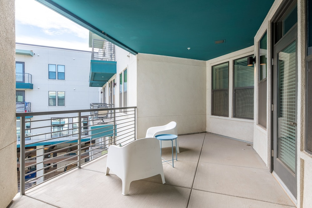 Terrace/Patio, Luxe Tempe Apartments by WanderJaunt