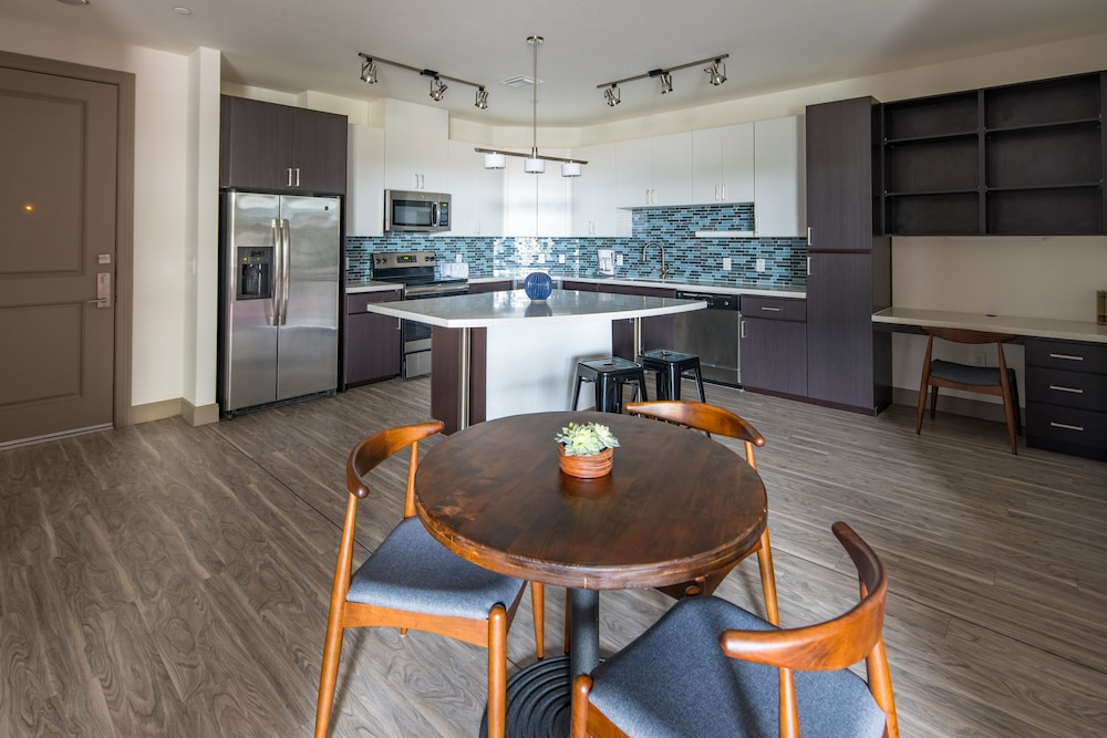 Room, Luxe Tempe Apartments by WanderJaunt