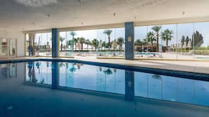 Indoor pool, 6 outdoor pools, pool umbrellas, sun loungers