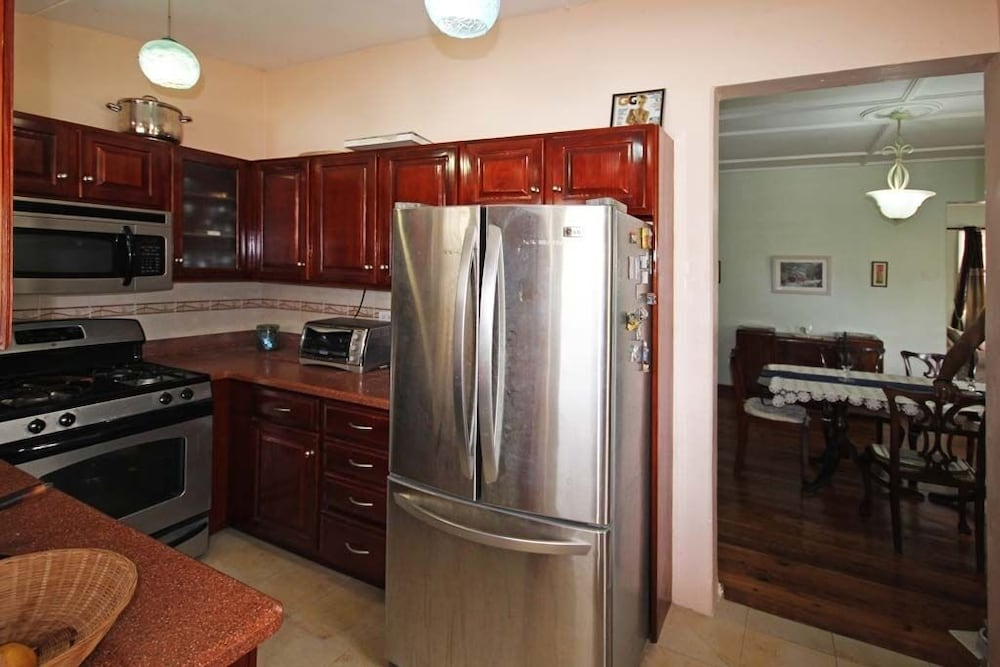 Private Kitchen, Enjoy A Peaceful Vacation Steps Away From a Pristine Beach On The West Coast