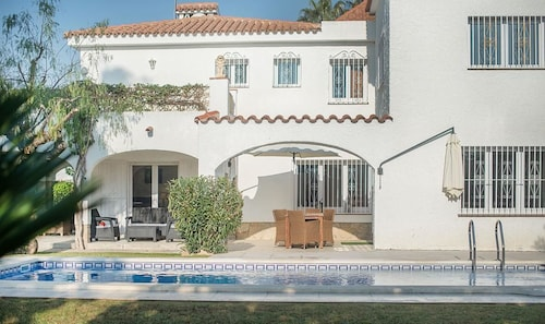 Villa 50 m from the beach in Cambrils TH11