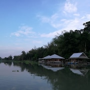 River Marina Resort