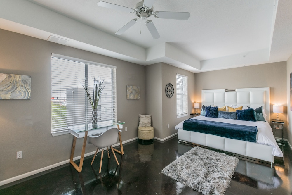 Channelside Apartment BC-522