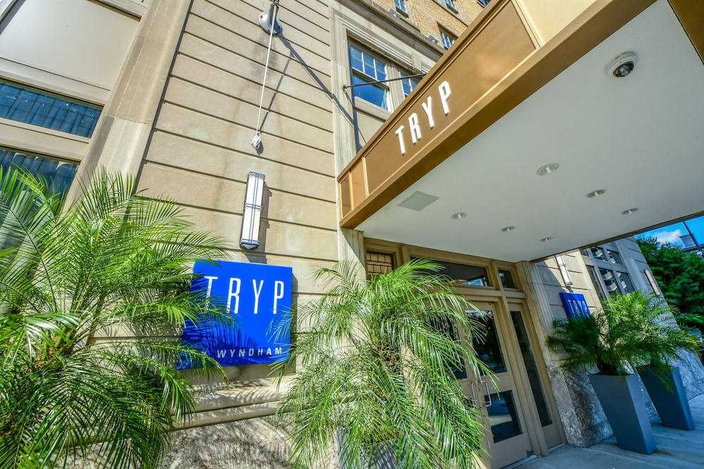 Property Entrance, TRYP by Wyndham Newark Downtown
