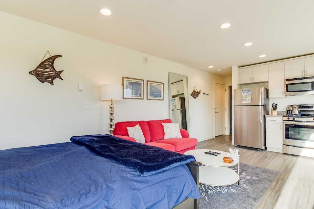 Hotel Front Apartment   Featured Image Apartment   Guestroom ...