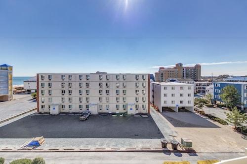 Great Place to stay Royal Hawaiian Apartment 2 near Ocean City