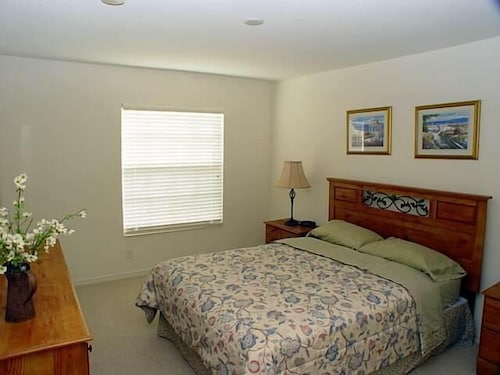Great Place to stay The Old Lace Estate Apartment 4 near Fort Myers