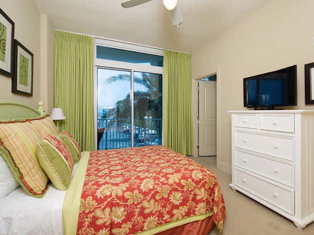 lots of Sand and Flip Flops !! Beautiful Luxury Condo 3BD 3BA: 2018 ...