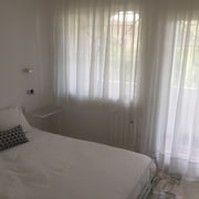 Double Room With Bathroom 2. In 3-bedroom Apartment