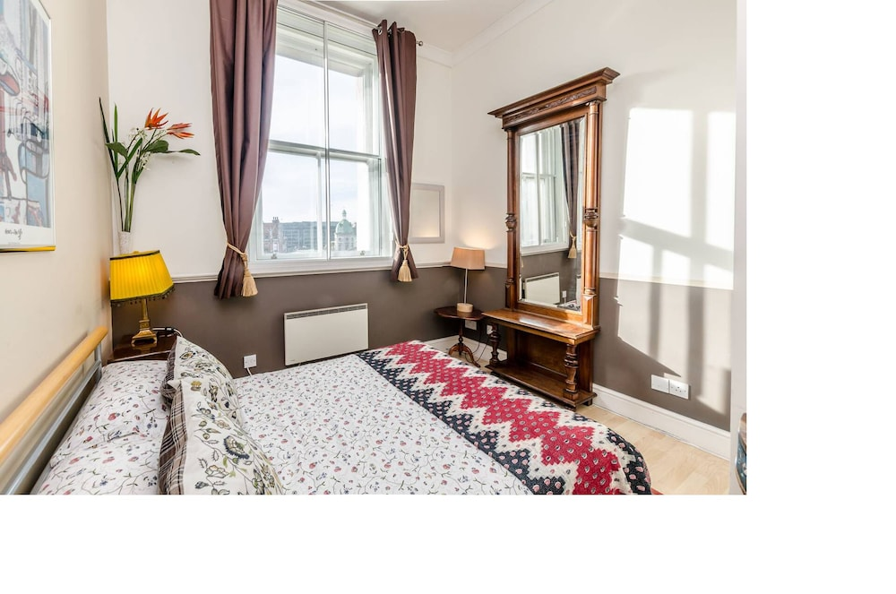 Nice Flat in a Victorian Bank Building in Great Part of Historic ...