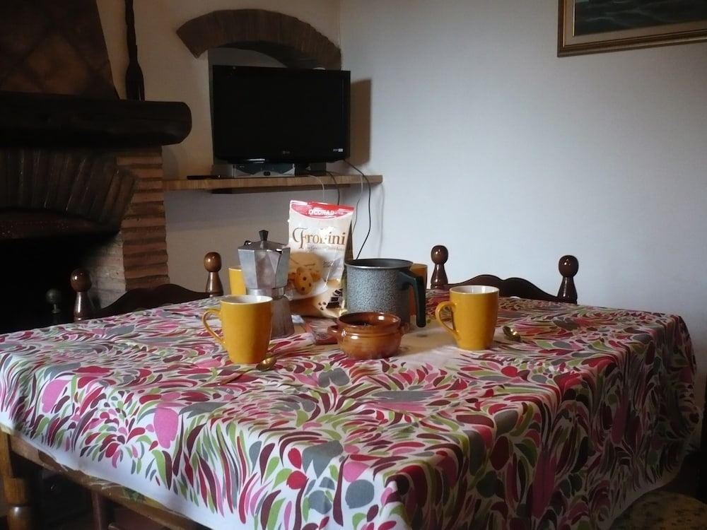 Country Cottage Gite Camaiore In Camaiore Cheap Hotel
