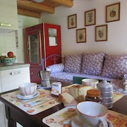Ca' di Minù in the Prosecco's Hills, Clima, Wifi, Pets Welcome, Garden