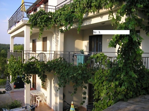 Cozy Apartment in the Center of Funtana With Parking, Internet, Garden, Terrace