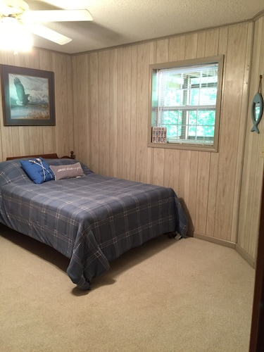 Room, 3 Bedroom 3 Bath Home Close To Star Point Marina On Beautiful Dale Hollow Lake