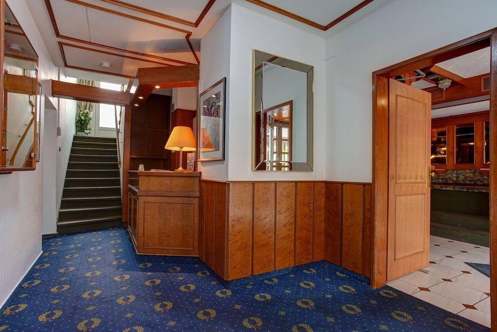 Hotel Arde Auf Der Ruhr Koln