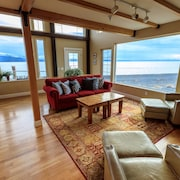 Otter Beach Lodges