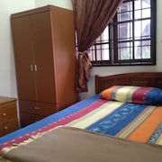 D Embun Homestay Airport Lodge