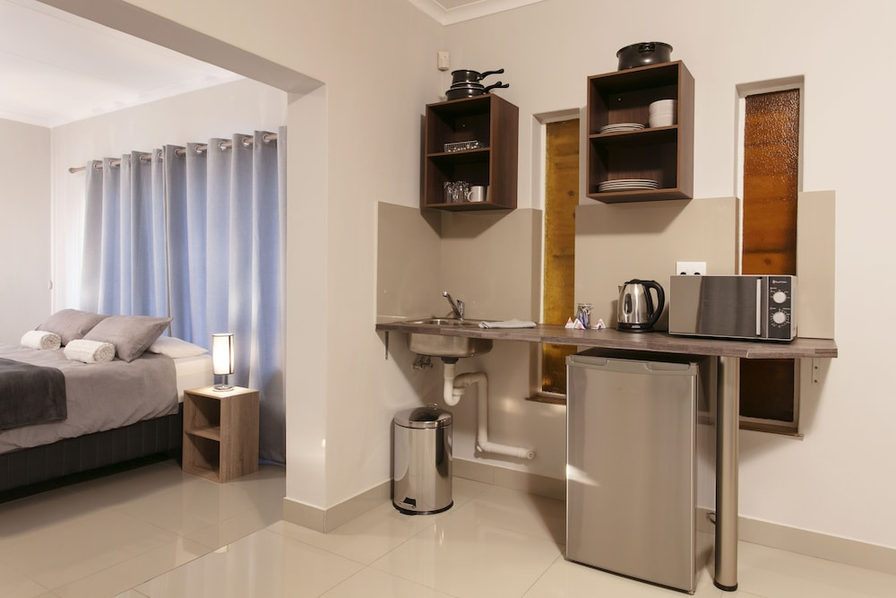 Private Kitchen, Menlyn Apartments