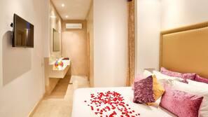 Premium bedding, minibar, individually decorated, blackout drapes