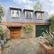 Traditional 4BR Family Home in Charming Highgate