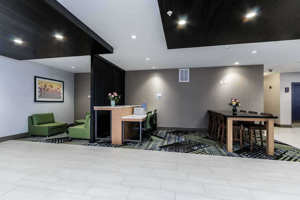 Business Center, Holiday Inn Express & Suites South Bend - South, an IHG Hotel