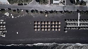 Beach nearby, black sand, sun-loungers, beach towels