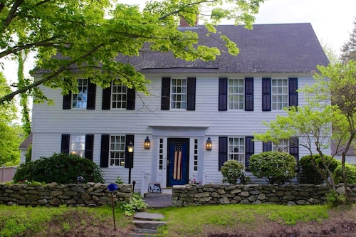 Check Expedia for Availability of Spring Hill Inn