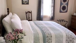 Premium bedding, down duvet, desk, iron/ironing board