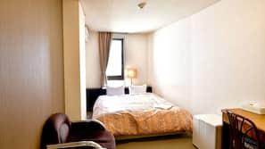 羽絨被、窗簾、免費 Wi-Fi、床單