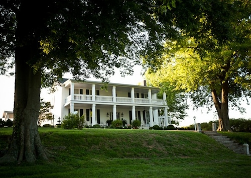 Great Place to stay Maple Hill B&B near Eddyville