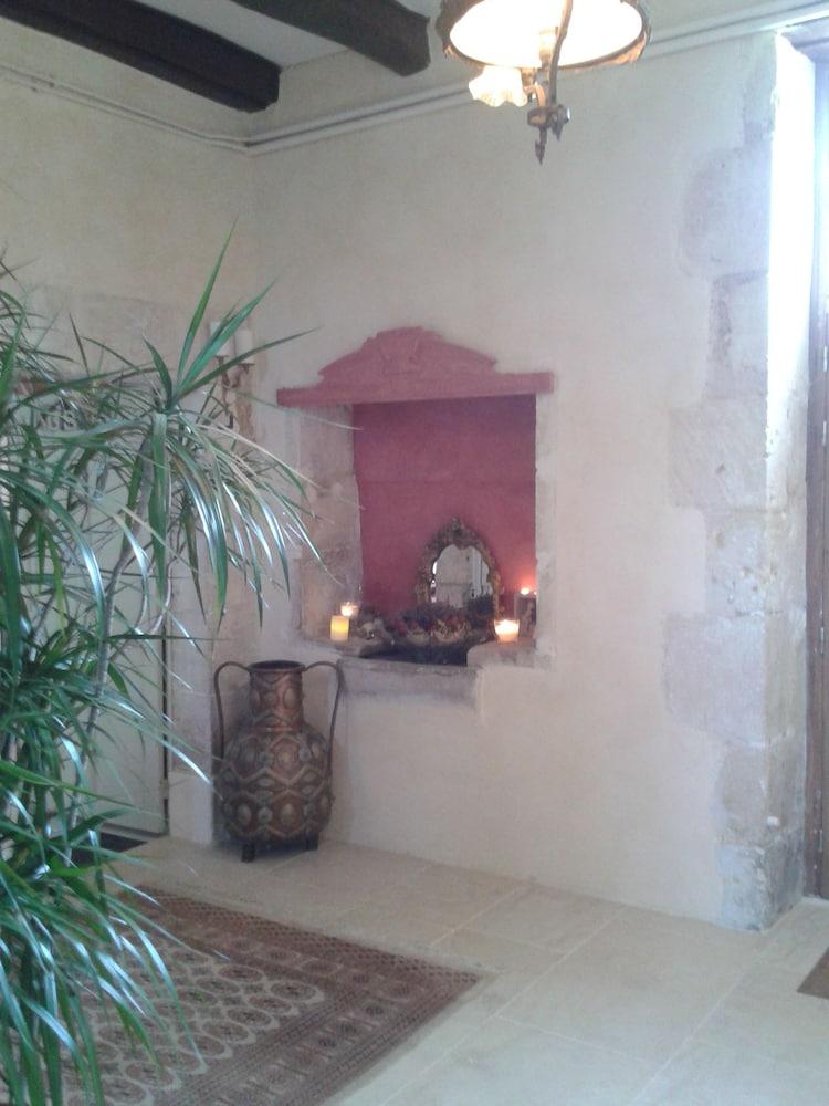 La Bastide de Courcelles in Gizay | Hotel Rates & Reviews on ...