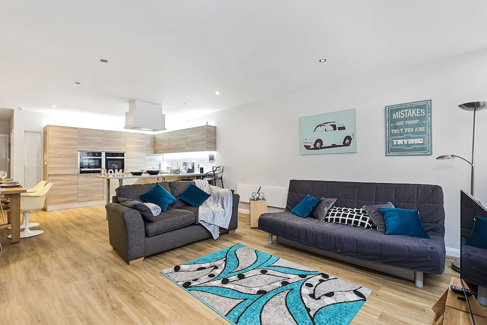 Heart Of Nottingham Modern Apartment: 2019 Room Prices , Deals U0026 Reviews |  Expedia