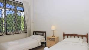5 bedrooms, minibar, desk, iron/ironing board