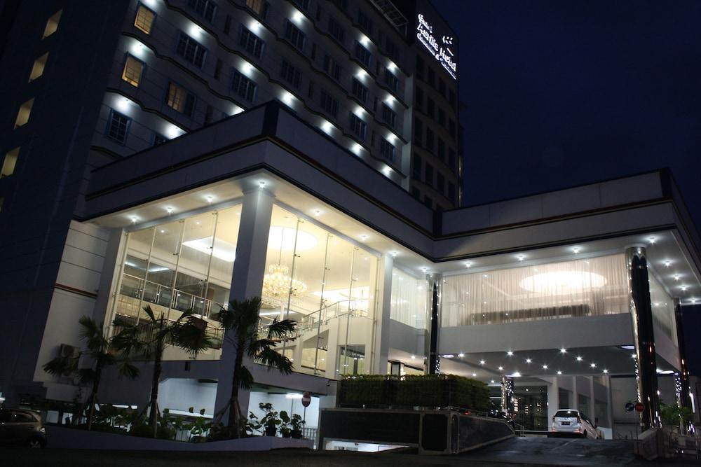 grand asrilia hotel in bandung hotel rates reviews on orbitz rh orbitz com