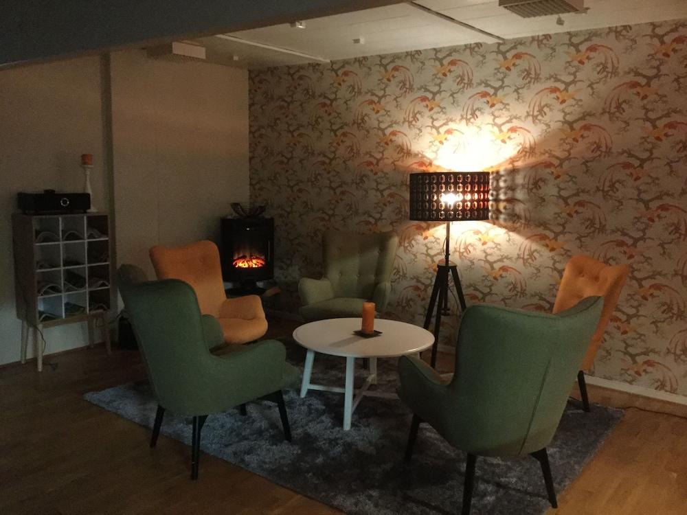 Bed & Breakfast Fyra Hästar: 2018 Room Prices from $127, Deals ...