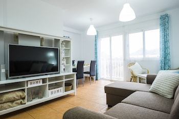 Trendy and Glamour 2 Bedrooms Apartment