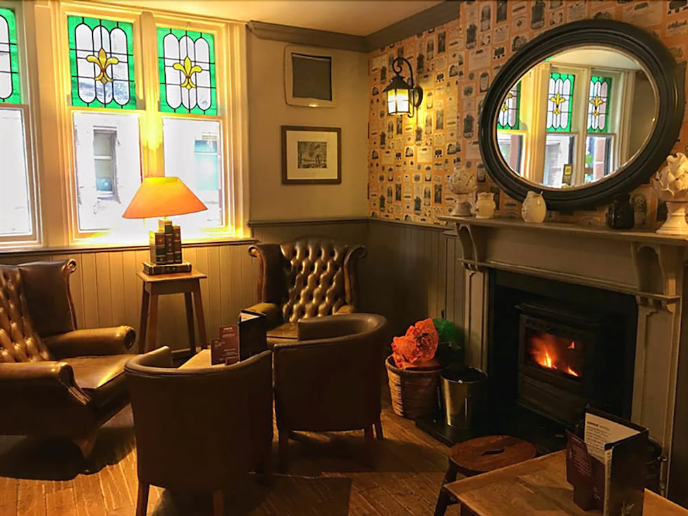 The Coach House Inn 4.0 Out Of 5.0. Hotel Interior Featured Image Lobby ...