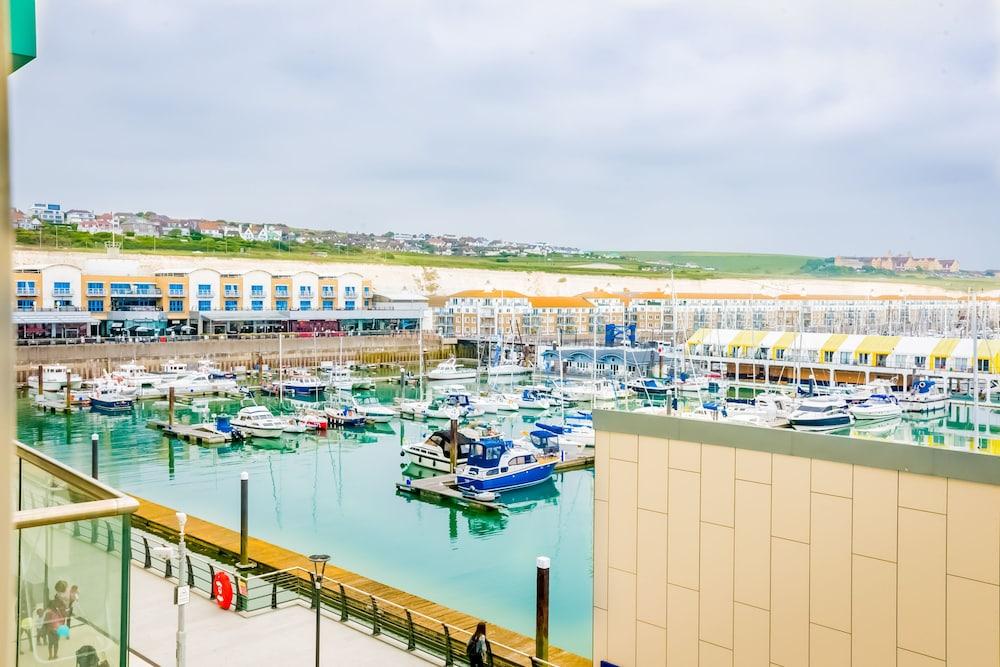 Rethink Living - Luxury Brighton Marina (Brighton) – 2019