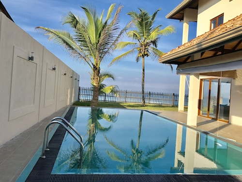 Sand Villa - New Beachfront Private Pool - Three Sea Facing Ensuite AC Bedrooms