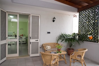 Apartment With 2 Bedrooms in Torre Dell'orso, With Furnished Balcony - 500 m From the Beach