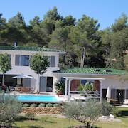 House With one Bedroom in Saint-marc-jaumegarde, With Pool Access, Enclosed Garden and Wifi - 40 km From the Beach