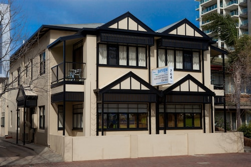 Glenelg hotels find deals on hotels in glenelg orbitz for Buffalo motor inn glenelg