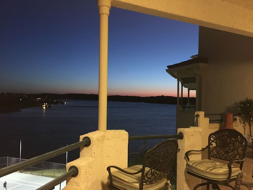 Homey Top Floor Water Views With Balcony on Lake Travis Gated Privated Island