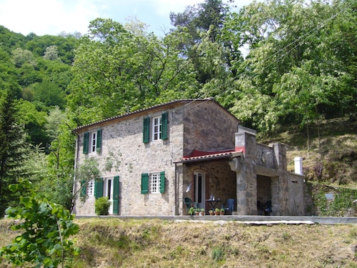 Small Vacation House for Rent Near Lucca, Tuscany